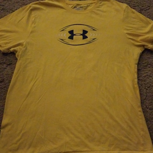 Under Armour Other - Under armour football tshirt